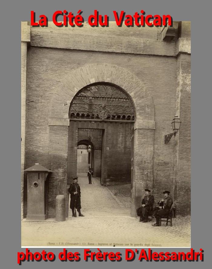 Fratelli_D'Alessandri_-_n__060_-_Roma_-_Ingresso_al_Vaticano_con_la_guardia_degli_Svizzeri