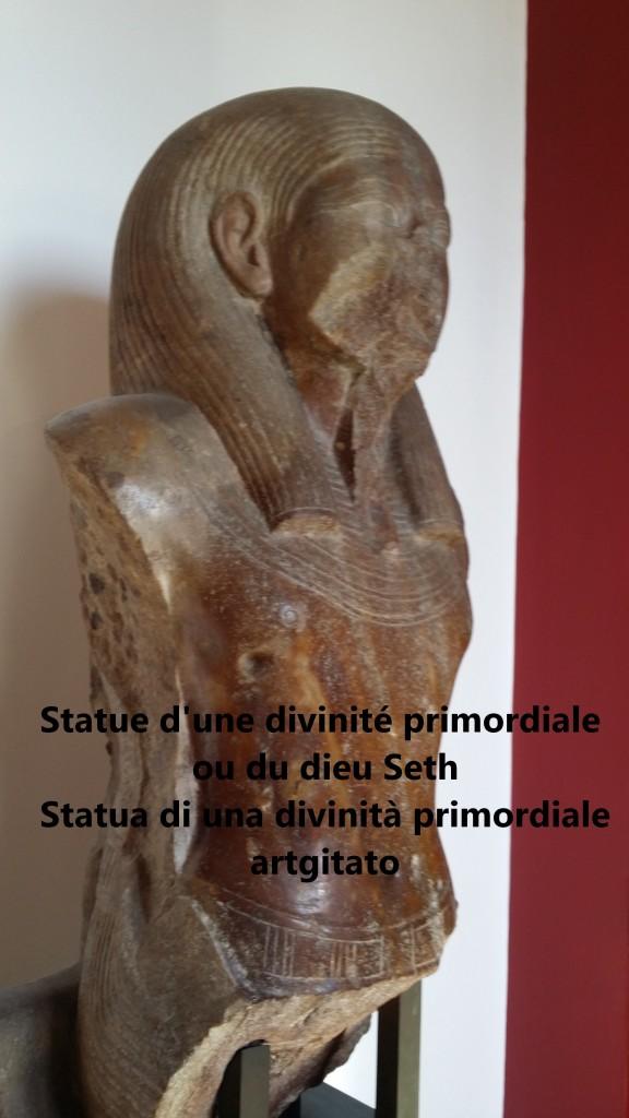 Statue d'une divinité primordiale ou du dieu Seth artgitato