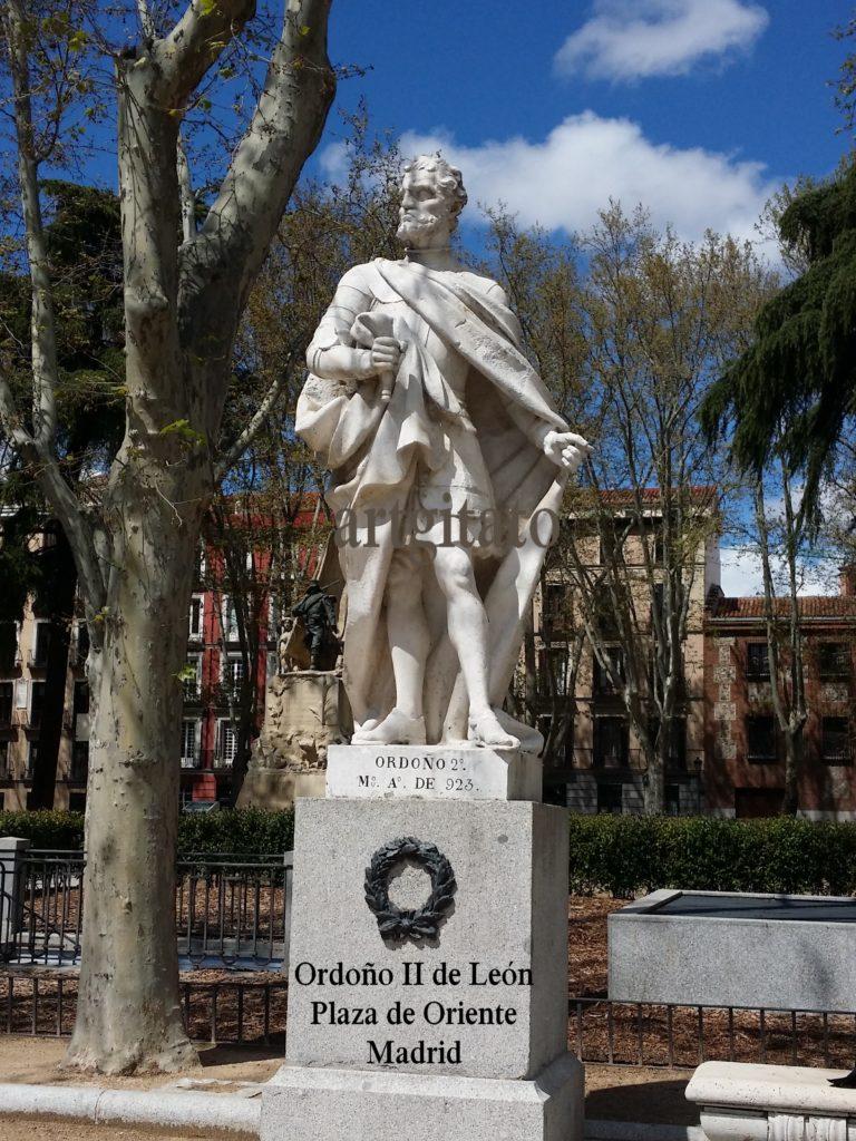 Ordoño II de León Plaza de Oriente Madrid Artgitato