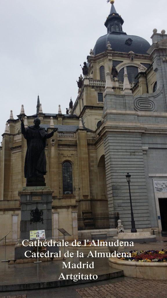 Cathédrale de l'Almudena Catedral de la Almudena Artgitato Madrid (1)