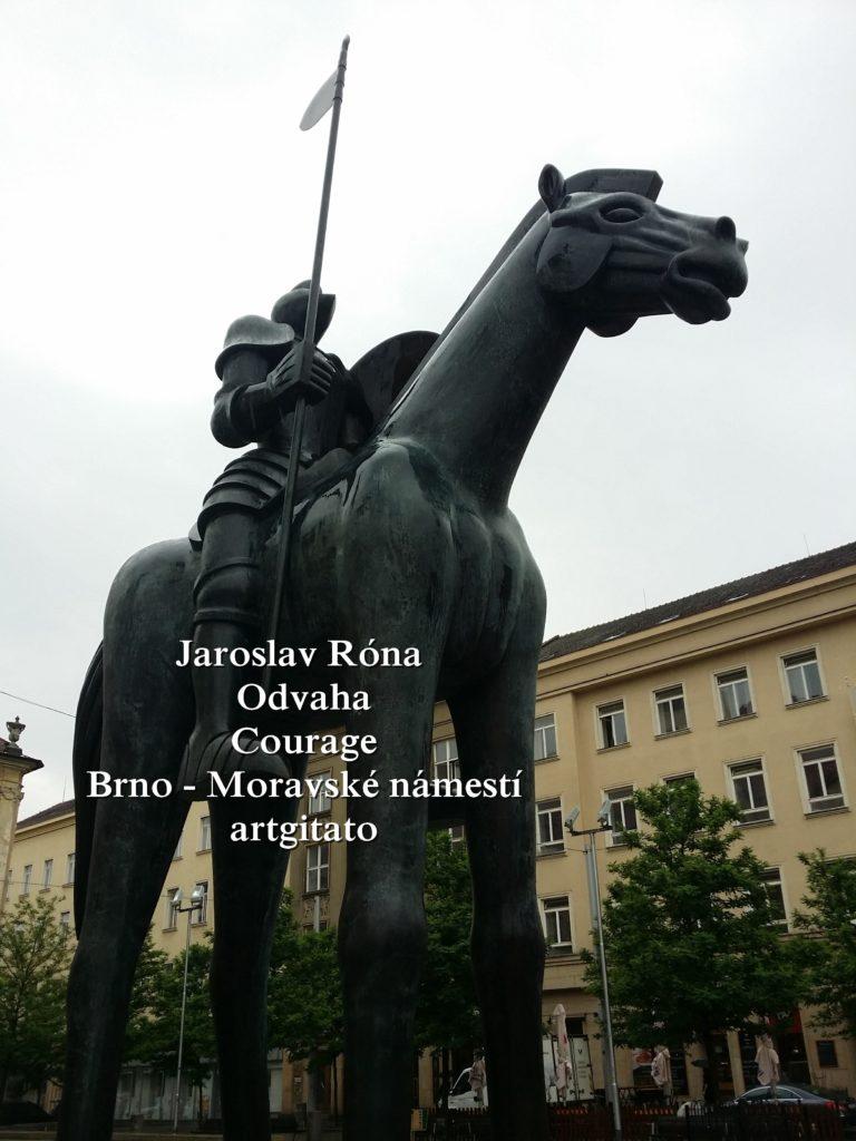 Jaroslav Róna Odvaha Courage Brno Moravské náměstí artgitato (2)