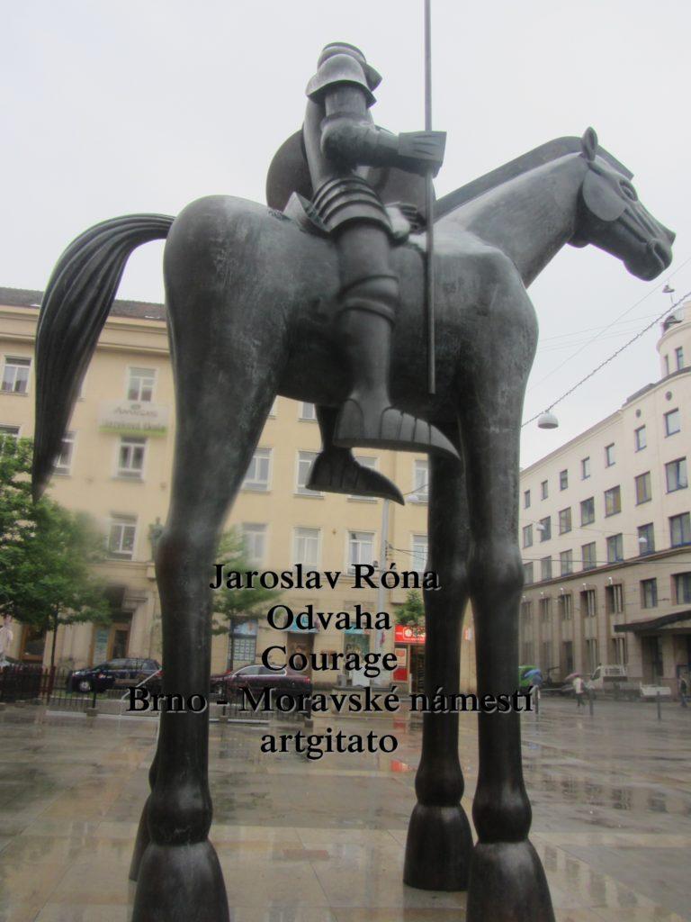 Jaroslav Róna Odvaha Courage Brno Moravské náměstí artgitato (5)