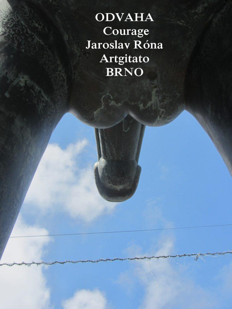 Jaroslav Róna Odvaha Courage Brno Moravské námestí artgitato 2