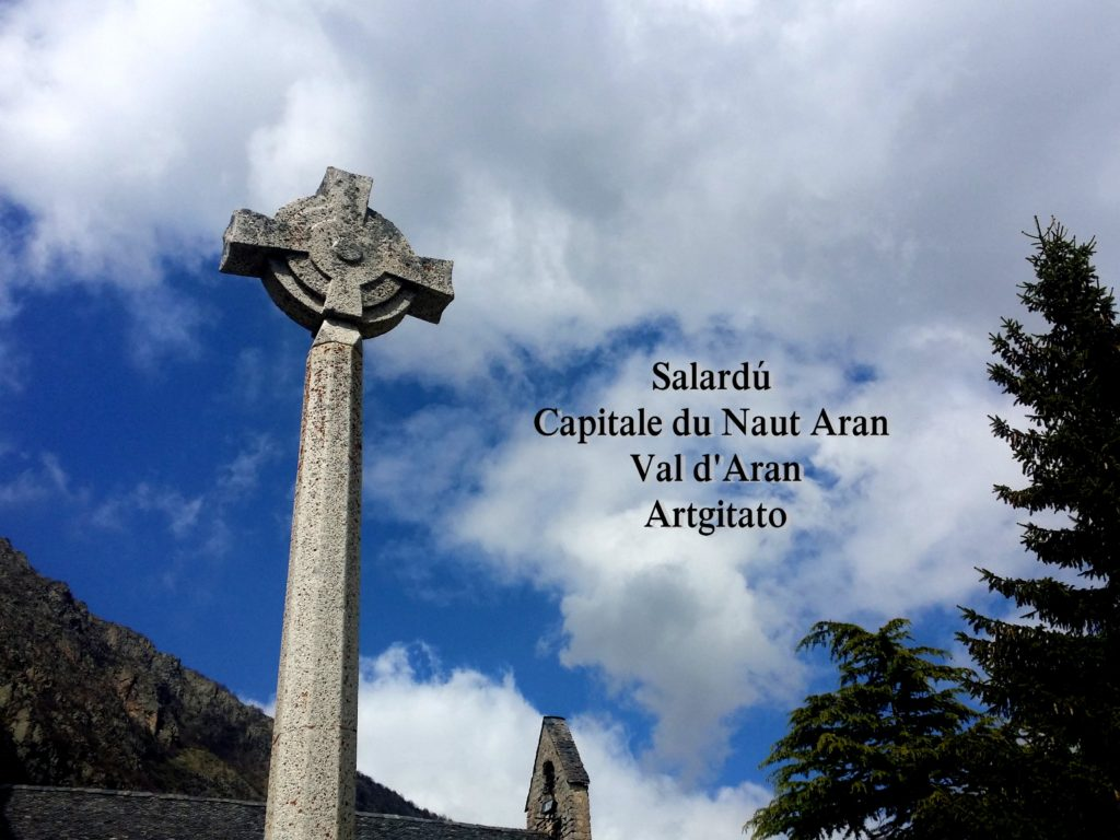 Salardú Capitale du Naut Aran Val d'Aran Artgitato Pyrénées Espagne 0