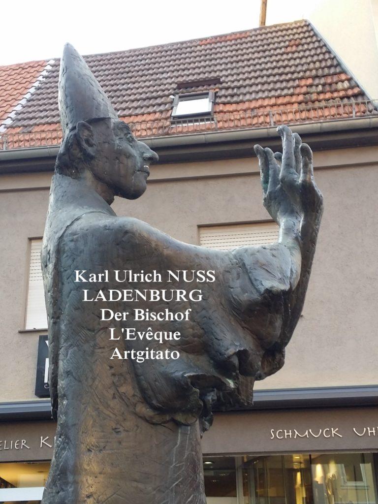 Karl Ulrich NUSS- Skulpturen auf dem Domhofplatz LADENBURG - der Bischof L'Evêque Artgitato (2)
