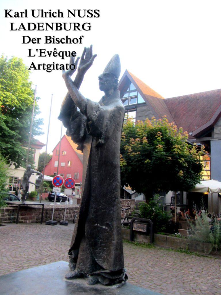 Karl Ulrich NUSS- Skulpturen auf dem Domhofplatz LADENBURG - der Bischof L'Evêque Artgitato (5)