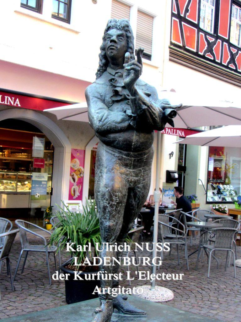 Karl Ulrich Nuss - Skulpturen auf dem Domhofplatz LADENBURG - der Kurfürst L'Electeur Artgitato (4)