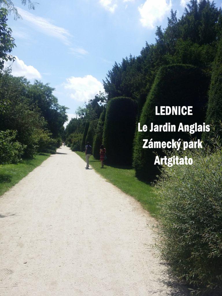 LEDNICE Le Jardin Anglais Zámecký park - MORAVIE DU SUD Artgitato Château de Lednice (3)