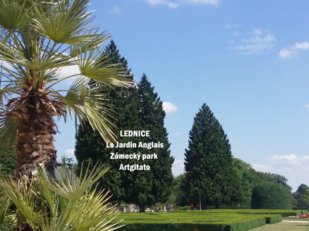 LEDNICE Le Jardin Anglais Zámecký park - MORAVIE DU SUD Artgitato Château de Lednice (4)