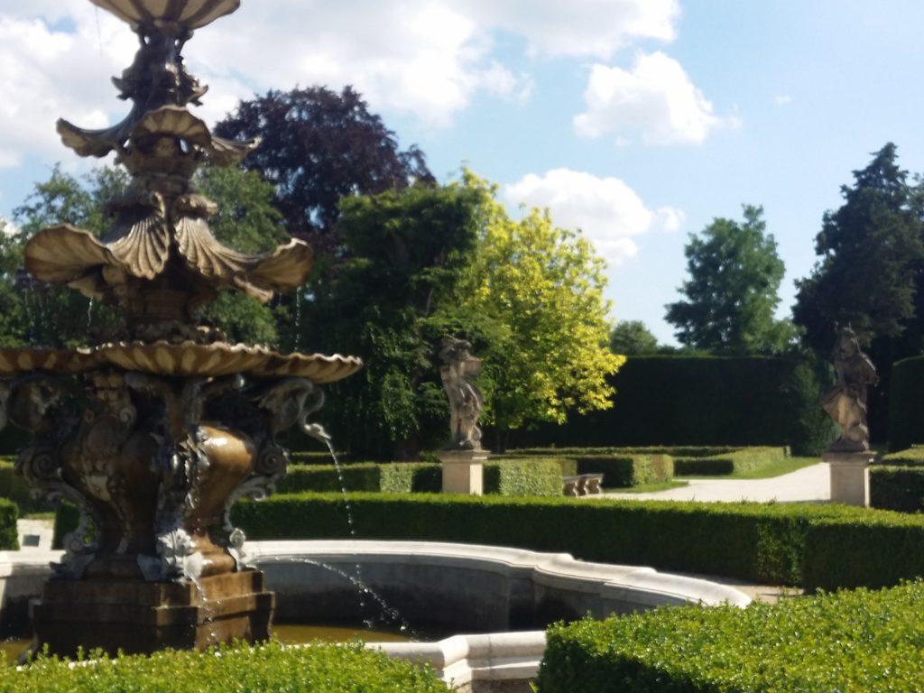 Le Jardin Anglais Zamecky Park Château de Lednice Artgitato (4)