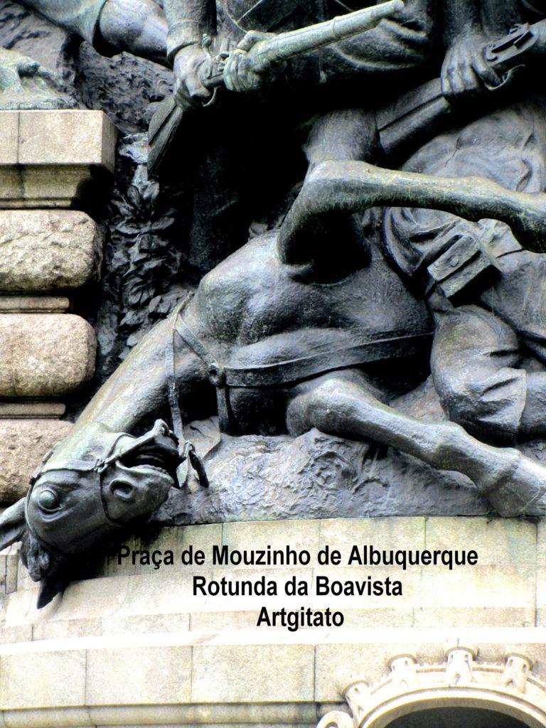 praca-de-mouzinho-de-albuquerque-la-place-dalbuquerque-porto-portugal-rotunda-da-boavista-artgitato-1